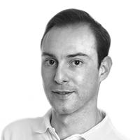Dr. Leibinger ist spezialisiert auf Faltenunterspritzung und Gesichtskonturierung in der S-thetic Praxisklinik Stuttgart.
