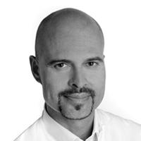 Vladimir List ist Facharzt für Chirurgie und leitender Arzt der S-thetic Lounge München.